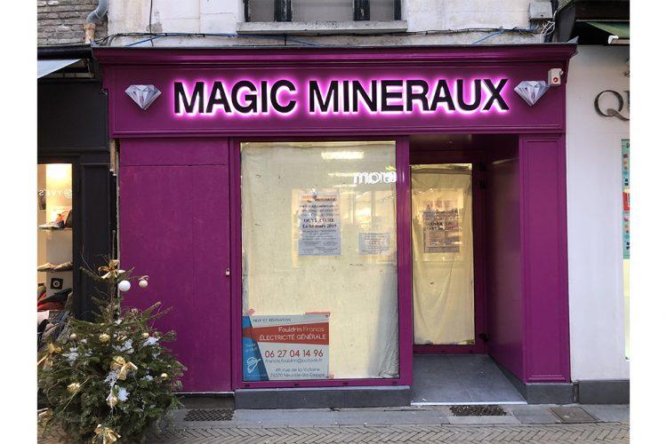 enseigne-lettres-boitiers-leds-magic-mineraux