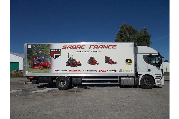 vehicule-poids-lourds-semi-covering-sabre-france