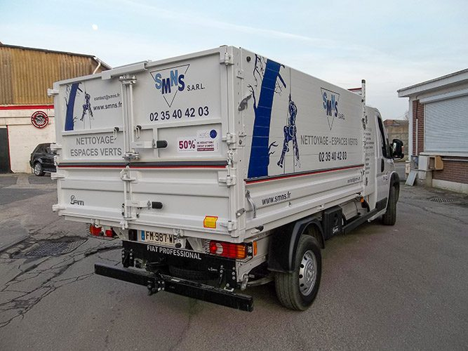 vehicule-lettrages-adhesifs-camion-smns