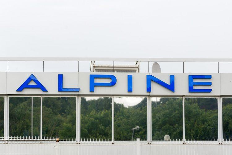 enseigne-alpine-lettres-boitiers-jour